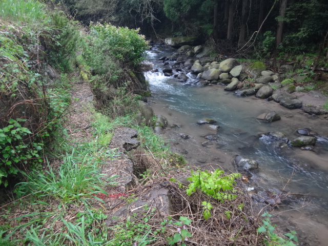 用水路を復旧