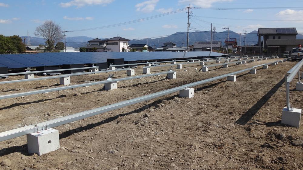 太陽光設置のための基礎工事