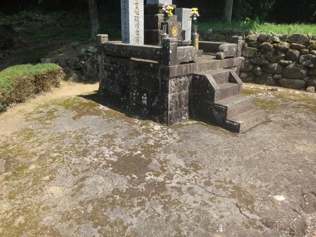 お墓のコンクリート整備