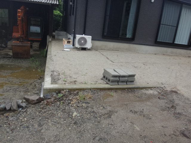 ブロック、フェンスを設置