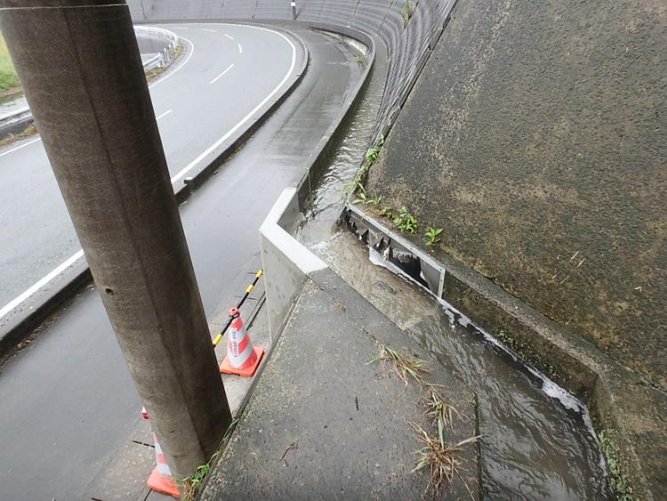 用水路の修繕