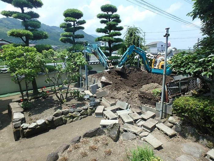 庭の土の片付け