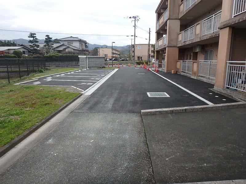 駐車場 比良松団地