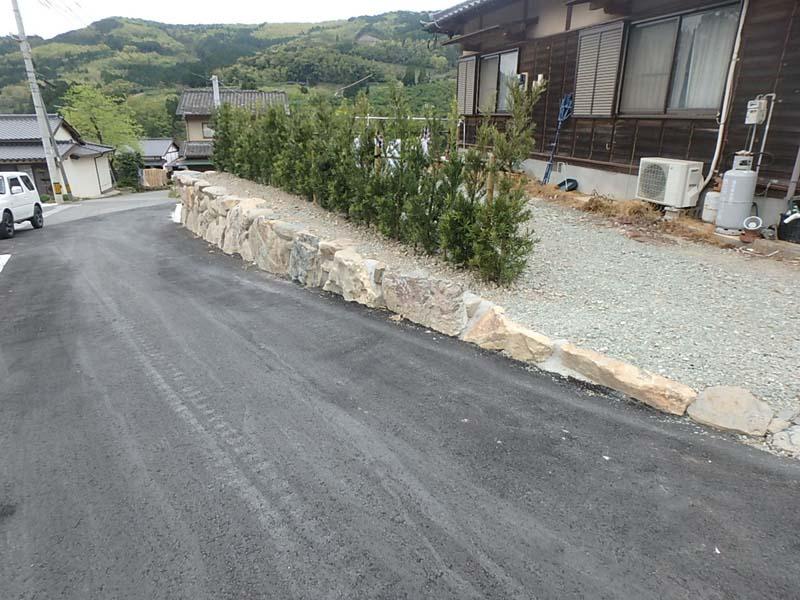 道路新設 側溝 庭石