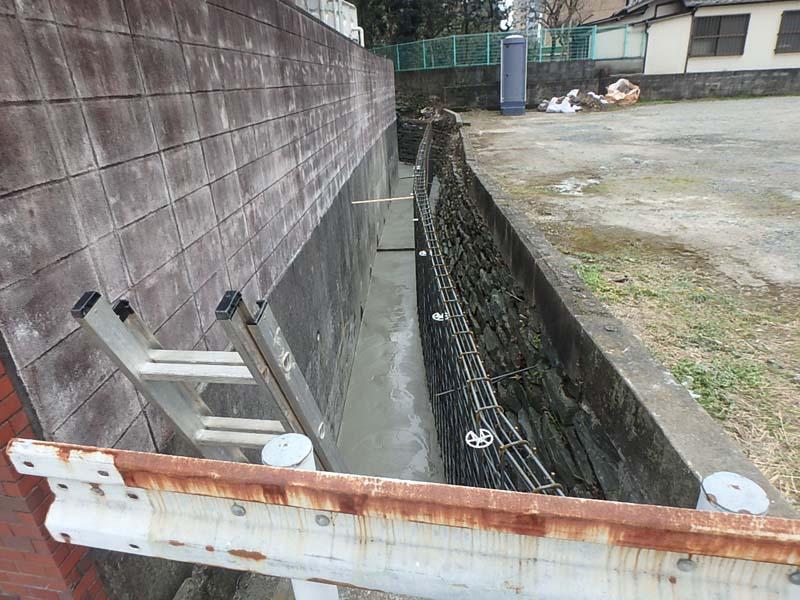 水路改修 鉄筋 現場打