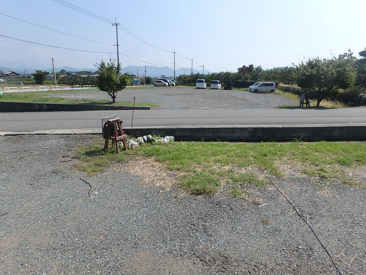ぶどうのたね コンクリート舗装 駐車場