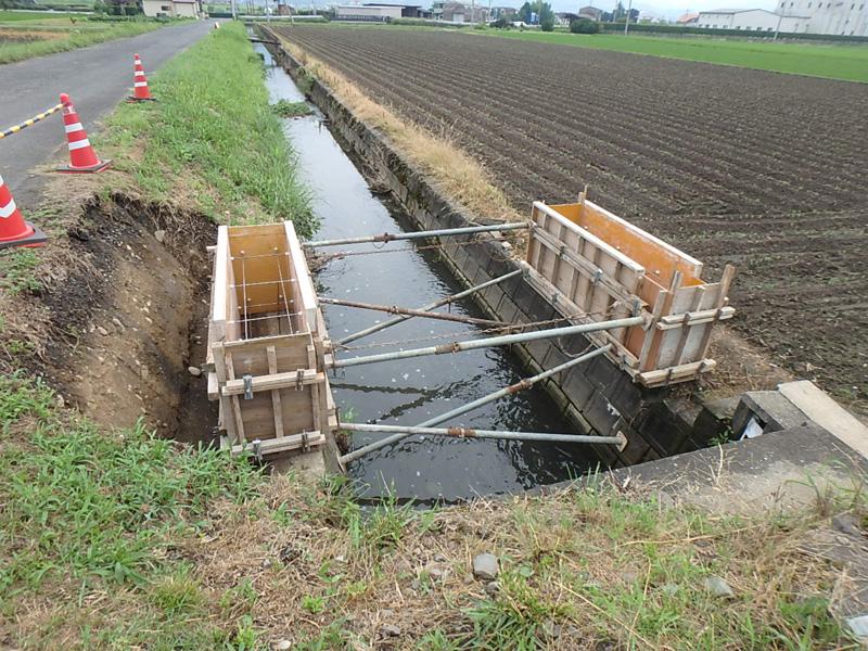 ヤマド イナバ物置 100人乗っても大丈夫 水中ポンプ 土地改良区 水田 渇水